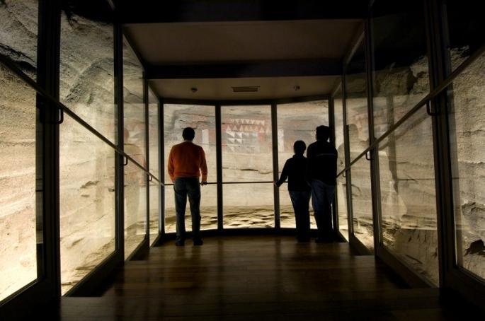 """Vista panorámica de la Cueva Pintada en la que se aprecia la """"burbuja"""""""