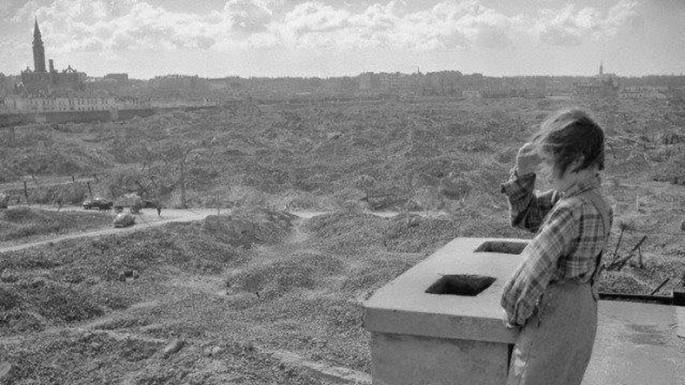 1 ruinas de Varsovia en 1945